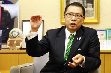 mr.narisawa_01