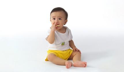 赤ちゃんのおやつ 正しいあげ方、楽しみ方