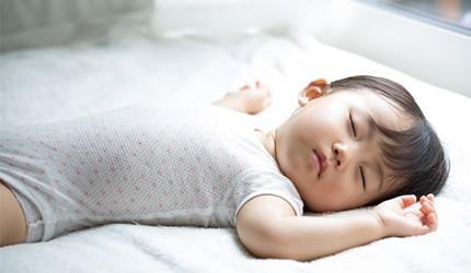 """シリーズ「赤ちゃんと眠り」第三部もう睡眠で悩まない!我が家の赤ちゃんを""""寝る子""""にする方法"""