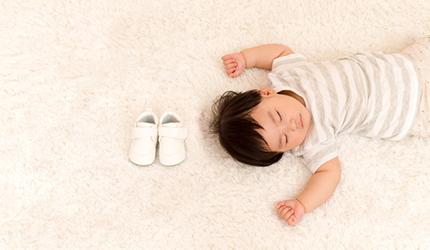 専門家監修 赤ちゃんの足の成長を考えた 間違いない プレシューズの選び方 妊娠 出産インフォ ミキハウス出産準備サイト