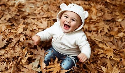 """季節の変わり目、赤ちゃんの服ってどうすればいいの? """"着こなしのプロ""""が教える秋のお洋服選びのポイント"""