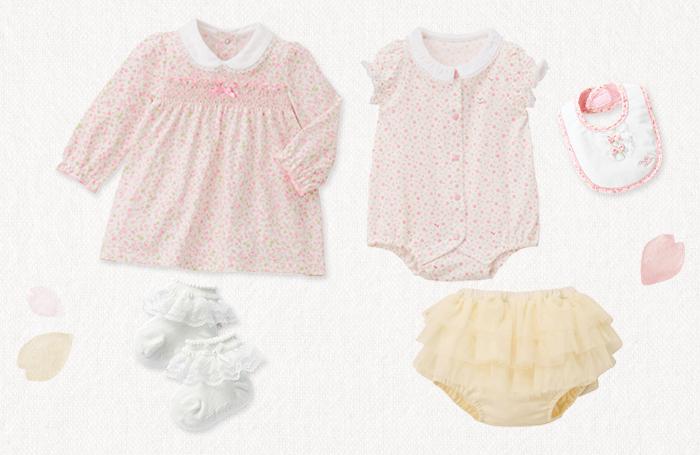ピンクの小花柄がかわいい、赤ちゃん用のワンピースとボディシャツをご紹介しています。