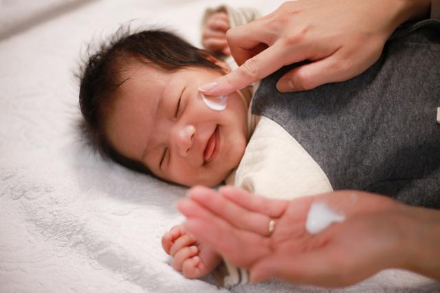 健康に気を使うママ・パパへ おすすめの出産祝いは「赤ちゃんのスキンケア用品」