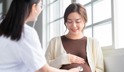 """6割以上のママが「ギャップがあった」と回答 出産経験者に聞く、産前産後の""""予想と現実"""""""