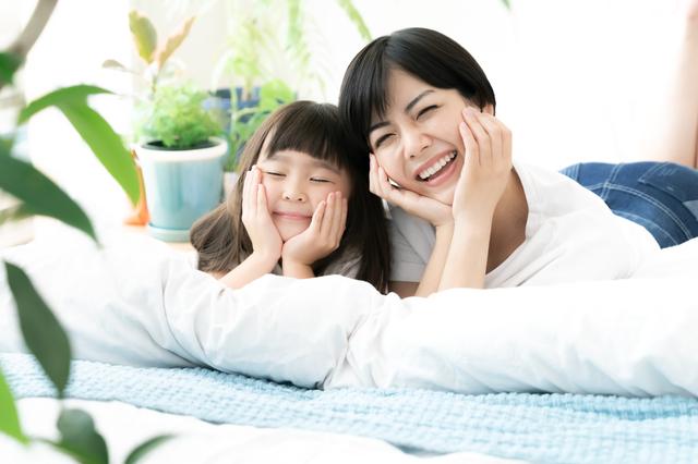 親子で遊ぶ、家で一緒にゴロゴロする。そんな時間も子どもの能力を育てます